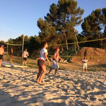 volley les pied dans le sable